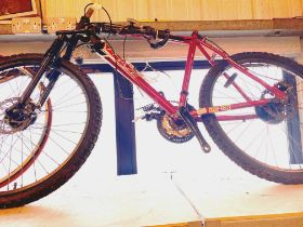 Apollo Phaze Mens mountain bike, for restoration. Not available for in-house P&P, contact Paul O'Hea