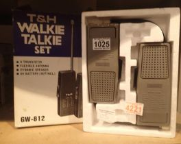 T&H GW-812 walkie talkie set. Not available for in-house P&P, contact Paul O'Hea at Mailboxes on