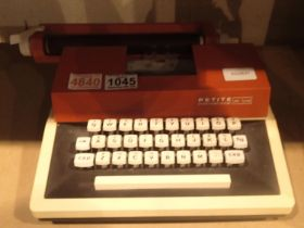 Petite International Deluxe typewriter. Not available for in-house P&P, contact Paul O'Hea at