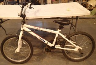 Single speed 10'' framed BMX bike. Not available for in-house P&P, contact Paul O'Hea at Mailboxes