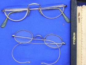 Two pairs of gold plated vintage spectacles. P&P Group 1 (£14+VAT for the first lot and £1+VAT for