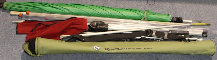 Mixed fishing items including a Korum net bag. Not available for in-house P&P, contact Paul O'Hea at