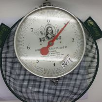 Reuben Heaton scales to 8lb with metal basket. P&P Group 3 (£25+VAT for the first lot and £5+VAT for