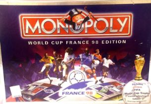 Monopoly World Cup France 98 edition, appears complete. P&P Group 1 (£14+VAT for the first lot
