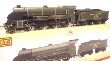 Hornby R3010 Class N15, NO 771, Sir Sagramore, Southern Green, Early Crest, in very near mint