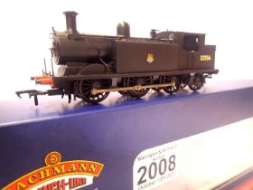 Bachmann 35-077, Class E4, BR Black, 32556, Early Crest, in very near mint condition, boxed. P&P