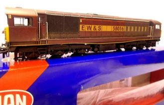 Heljan 58271, Class 58 EW & S Livery, 58016, weathered by Dirty Boy Lord and Butler, in very near