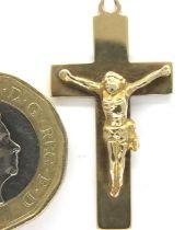 9ct gold crucifix pendant with a split ring, 2.7g. Pendant L: 3.1 cm. P&P Group 1 (£14+VAT for the