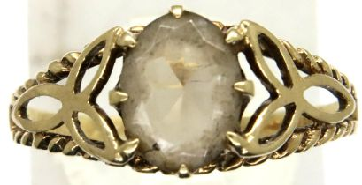 9ct gold white topaz set ring, size Q, 1.7g. P&P Group 1 (£14+VAT for the first lot and £1+VAT for