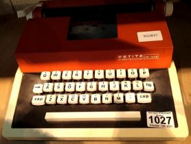 Petite International De Luxe typewriter. Not available for in-house P&P, contact Paul O'Hea at