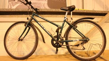 Ladies Raleigh Oasis 10 geared road bike with Shimano shifter, mud guard and kick stand. Not