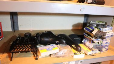 Mixed bike parts including inner tubes, seats, pumps etc. Not available for in-house P&P, contact