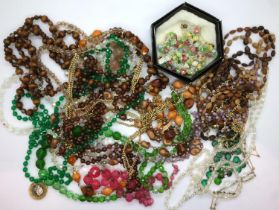 Box of mixed costume jewellery necklaces. P&P Group 1 (£14+VAT for the first lot and £1+VAT for