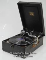 *HMV 102 PORTABLE GRAMOPHONE PLAYER C.1940S / IN WORKING ORDER WITH FIVE RECORDS [LQD197]