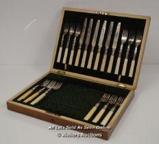 *BONE HANDLE SILVER PLATED CANTEEN OF CUTLERY 18 PIECES / BOX 25 X 34 X 6CM [LQD197]