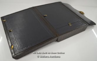 *BRAMAH CASE WRITING SLOPE WITH BRAMAH LOCK, CROCODILE LEATHER / LOCK HAS DETACHED FROM THE BOX,