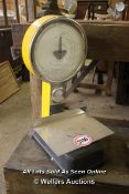 *LARGE WEIGHING SCALES