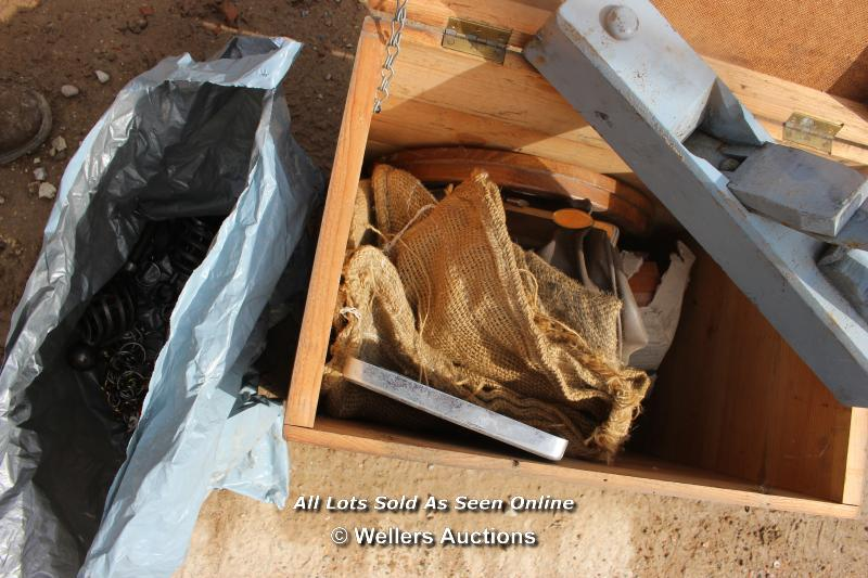 *WOODEN CRATE AND ITS CONTENTS INCLUDING VINTAGE PLANER - Image 2 of 3