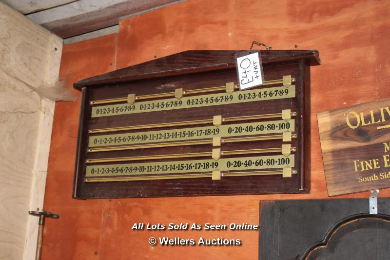 *TEN VARIOUS SNOOKER CUES, A TRIANGLE AND TWO SCOREBOARDS TOGETHER WITH A BASKET OF SNOOKER BALLS - Image 2 of 5