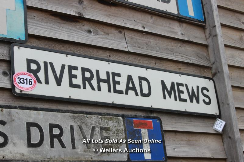 *METAL STREET SIGN 'RIVERHEAD MEWS', 122CM X 23CM