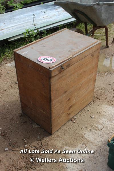 *WOODEN CRATE AND ITS CONTENTS INCLUDING VINTAGE PLANER