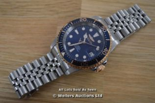 *GENTS INVICTA PRO DIVER WATCH, AUTOMATIC MOVEMENT,BRUSHED AND POLISHED STEEL CASE AND BRACELET,BLUE