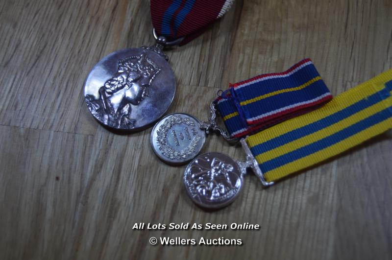 COLLECTION OF BRITISH MILITARY, NATIONAL SERVICE AND COMMEMORATION MEDALS, INCLUDING MINITURES - Image 7 of 8