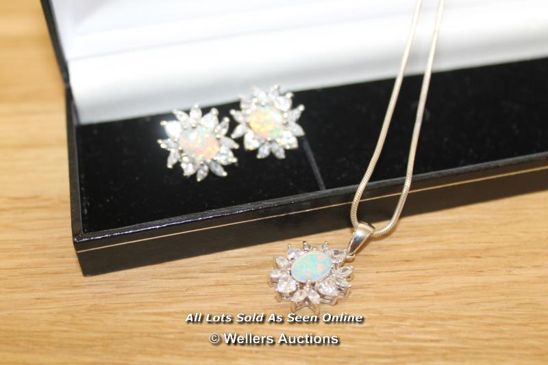 IMITATION OPAL AND CUBIC ZIRCONIA SET EARRINGS AND NECKLACE SET IN SILVER - Image 2 of 2