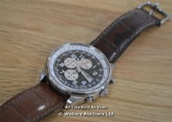 *GENTS CITIZEN CHRONOGRAPH, QUARTZ MOVEMENT, BLACK AND WHITE ARABIC DIAL WITH DATE IN A STAINLESS