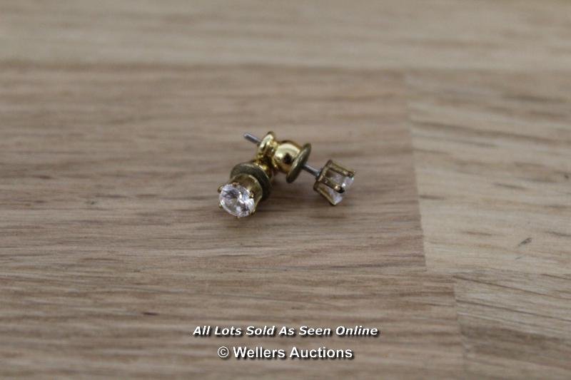 TWO BOXED CUBIC ZIRCONIA SET OF EARRINGS - Image 2 of 3