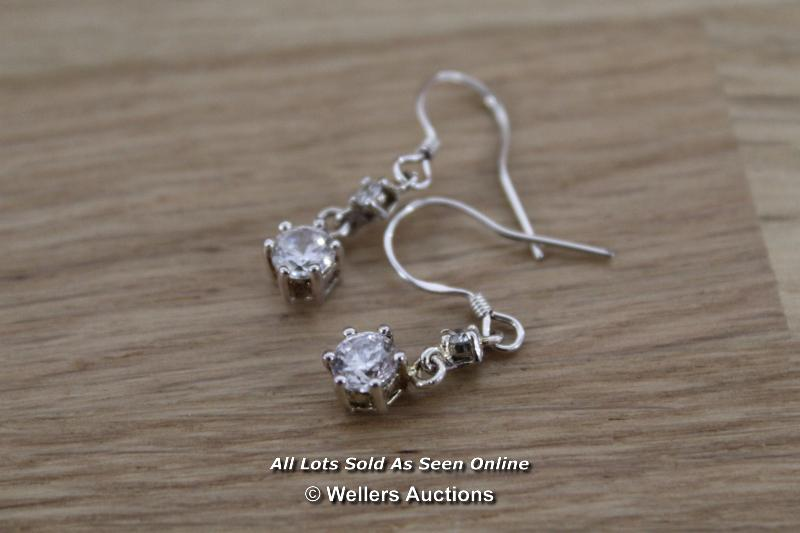 TWO BOXED CUBIC ZIRCONIA SET OF EARRINGS - Image 3 of 3