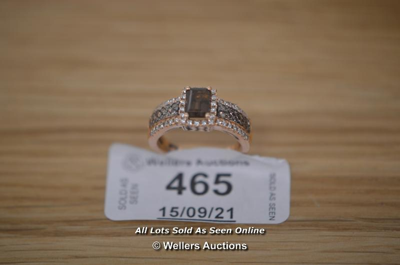LADIES 14K ROSE GOLD RING, SMOKEY QUARTZ CENTRE STONE IN 4 CLAW SETTING ADORNED WITH MATCHING 4 - Image 3 of 3