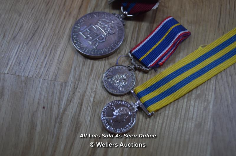 COLLECTION OF BRITISH MILITARY, NATIONAL SERVICE AND COMMEMORATION MEDALS, INCLUDING MINITURES - Image 6 of 8