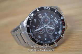 *GENTS CITIZEN ECO-DRIVE CHRONOGRAPH,QUARTZ MOVEMENT, BLACK ARABIC DIAL WITH DATE, BRUSHED AND