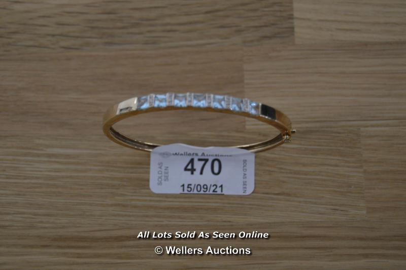 LADIES 9CT ROSE GOLD AQUAMARINE AND DIAMOND SET BANGLE (12.7G)