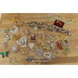 ASSORTED COSTUME JEWELLERY INCLUDING NECKLACES,EARRINGS, BROOCH'S, TIE CLIP AND HAT PIN
