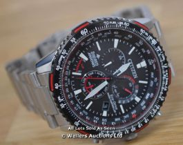 *GENTS CITIZEN RAF RED ARROWS ECO-DRIVE PERPETUAL CHRONOGRAPH, BLACK BATTON DIAL WITH RED ACCENTS,