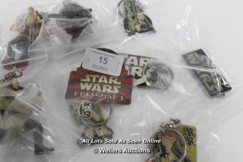 STAR WARS EPISODE 1 - ASSORTED KEY RINGS ( ALL LIGHTSABERS ON FIGURES DAMAGED) - Image 4 of 5