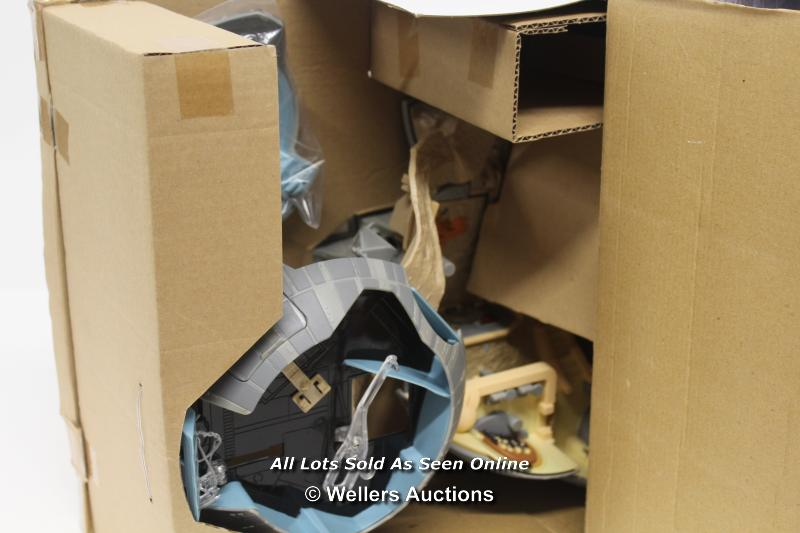 MICRO MACHINES DOUBLE TAKES DEATH STAR / TATOOINE PLAYSET. UNUSED, OUTER BOX OPENED - Image 3 of 4