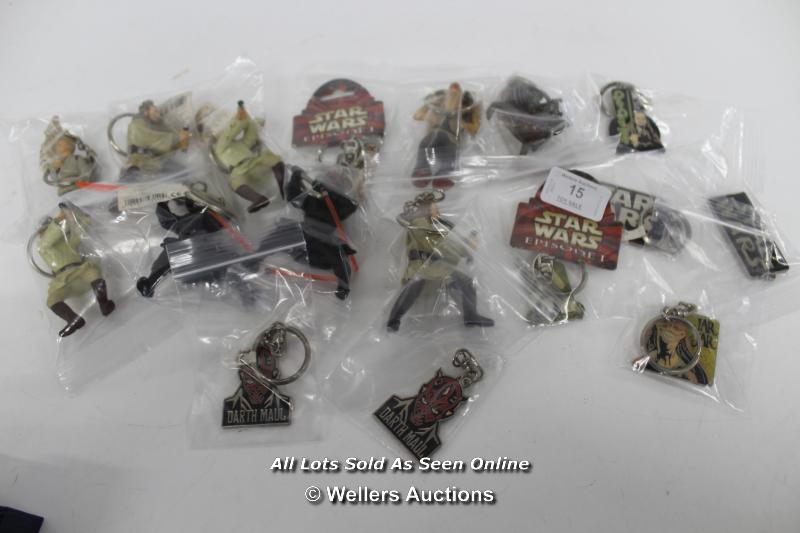 STAR WARS EPISODE 1 - ASSORTED KEY RINGS ( ALL LIGHTSABERS ON FIGURES DAMAGED)