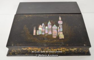 *VICTORIAN WRITING SLOPE IN PAPIER MACHE AND MOTHER OF PEARL / 34 X 29 X 10CM [LQD214]