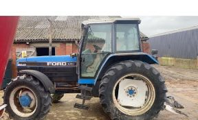 FORD 8240 POWERSTAR SLE 4WD TRACTOR.