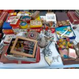 COLLECTION OF TOYS & GAMES
