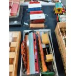 5 HORNBY GOODS WAGGON SIGNALS ETC