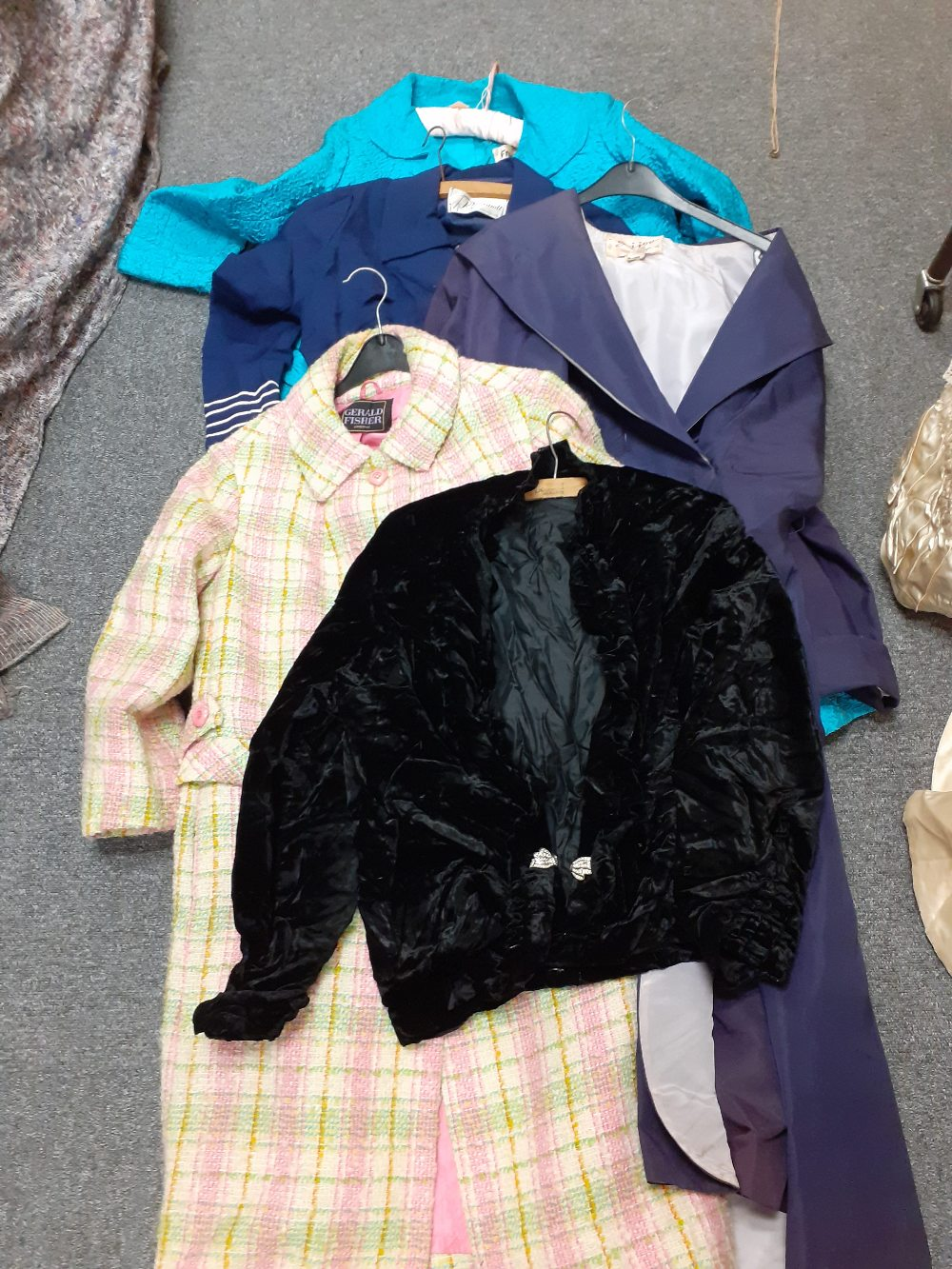COLLECTION OF VINTAGE CLOTHES