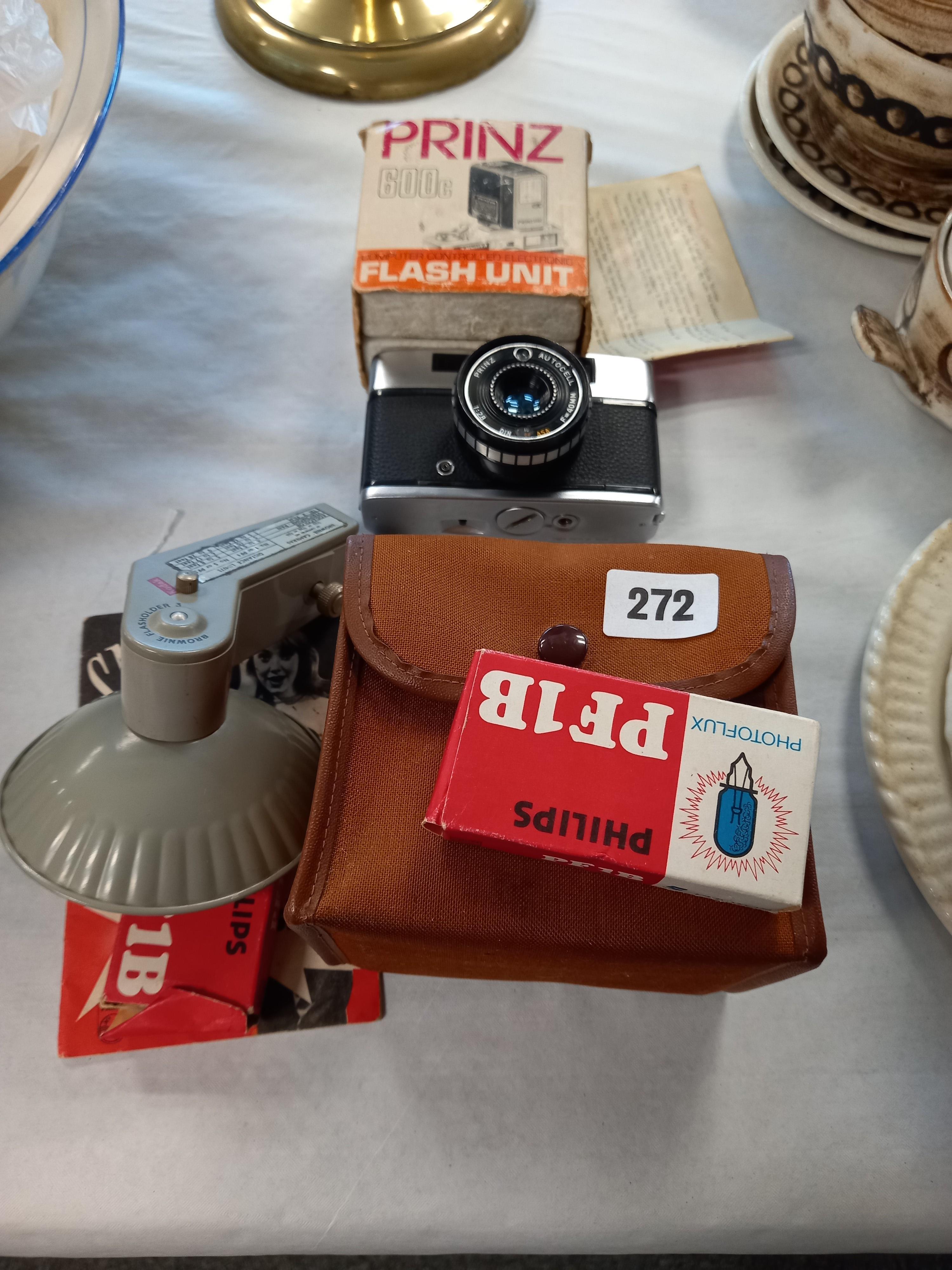 BOX BROWNIE CAMERA FLASH, PRINZ 600C