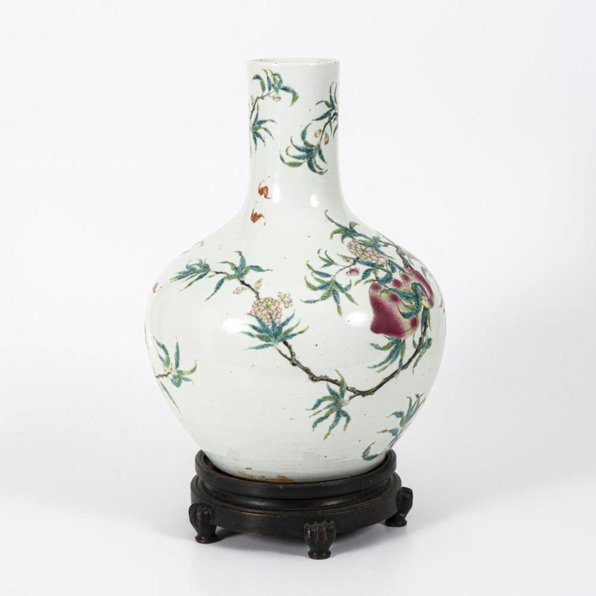 Große, museale Vase mit Pfirsichen und Pfirsichblüten - Image 3 of 10