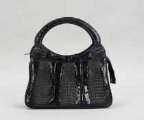 Damenhandtasche, schwarzes Krokoleder; Höhe 32 cm, Breite 30 cm, Tiefe 5 cm (mit Cites-Beschein