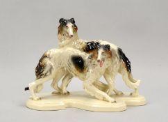 Goße Steingut-Figurengruppe (wohl Cortendorf), 'Barsois - Windhunde', Modellnr. &#03