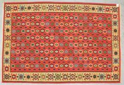Kelim (Anatolien), rotgrundig, mit Krabbenbordüre, legefertig, in gutem Erhaltungszustand; Ma&s